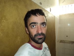 A senhora Claudia Ferreira Francisco, 36 anos vive um terrível dilema conjugal. Ela é casada há dezessete anos com o cidadão Artur Francisco Neto, com o qual tem três filhos. Apesar de ele ser apaixonado também pela tonteante Cannbis ...