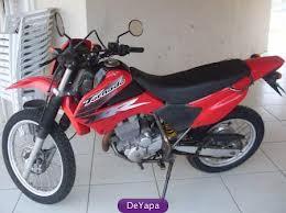 Os assaltantes usaram uma moto roubada na véspera na cidade de Congonhal para cometer o roubo!
